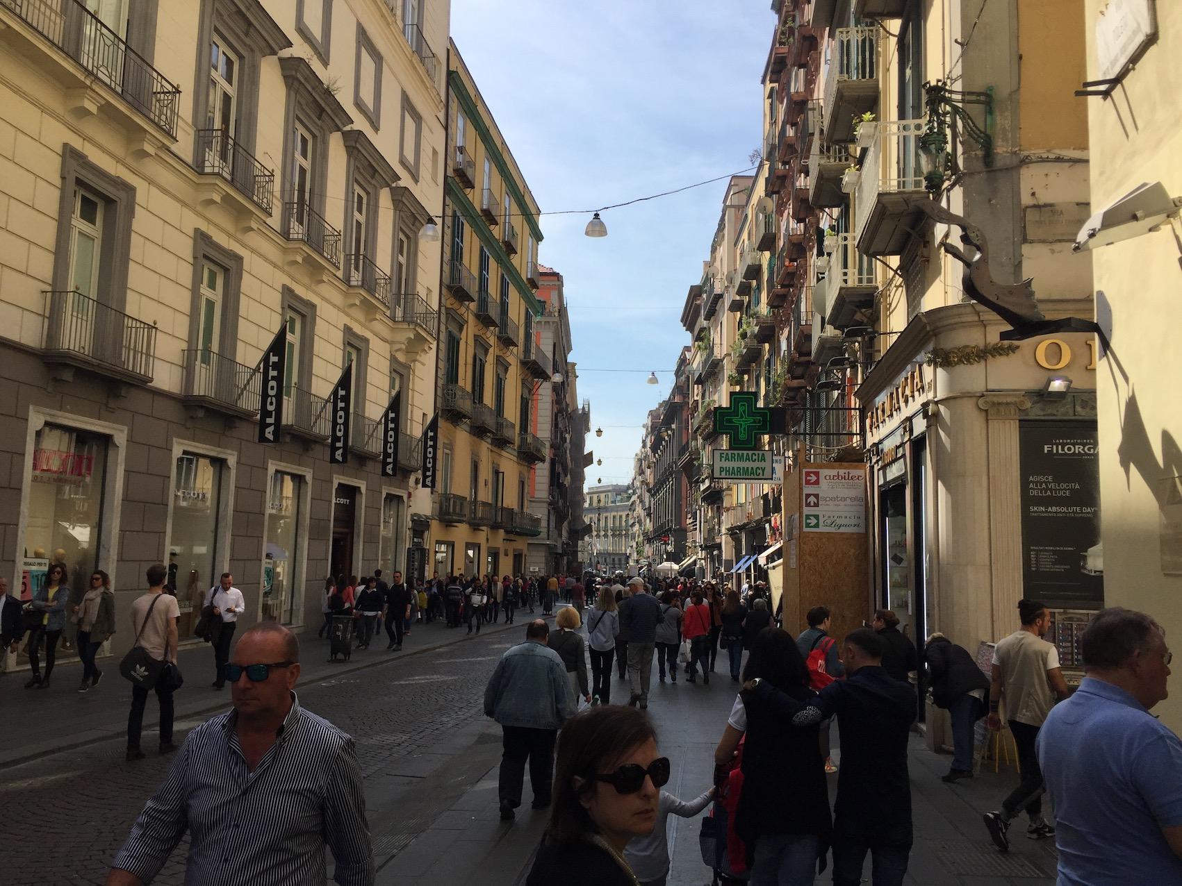 Via Toledo a Napoli,