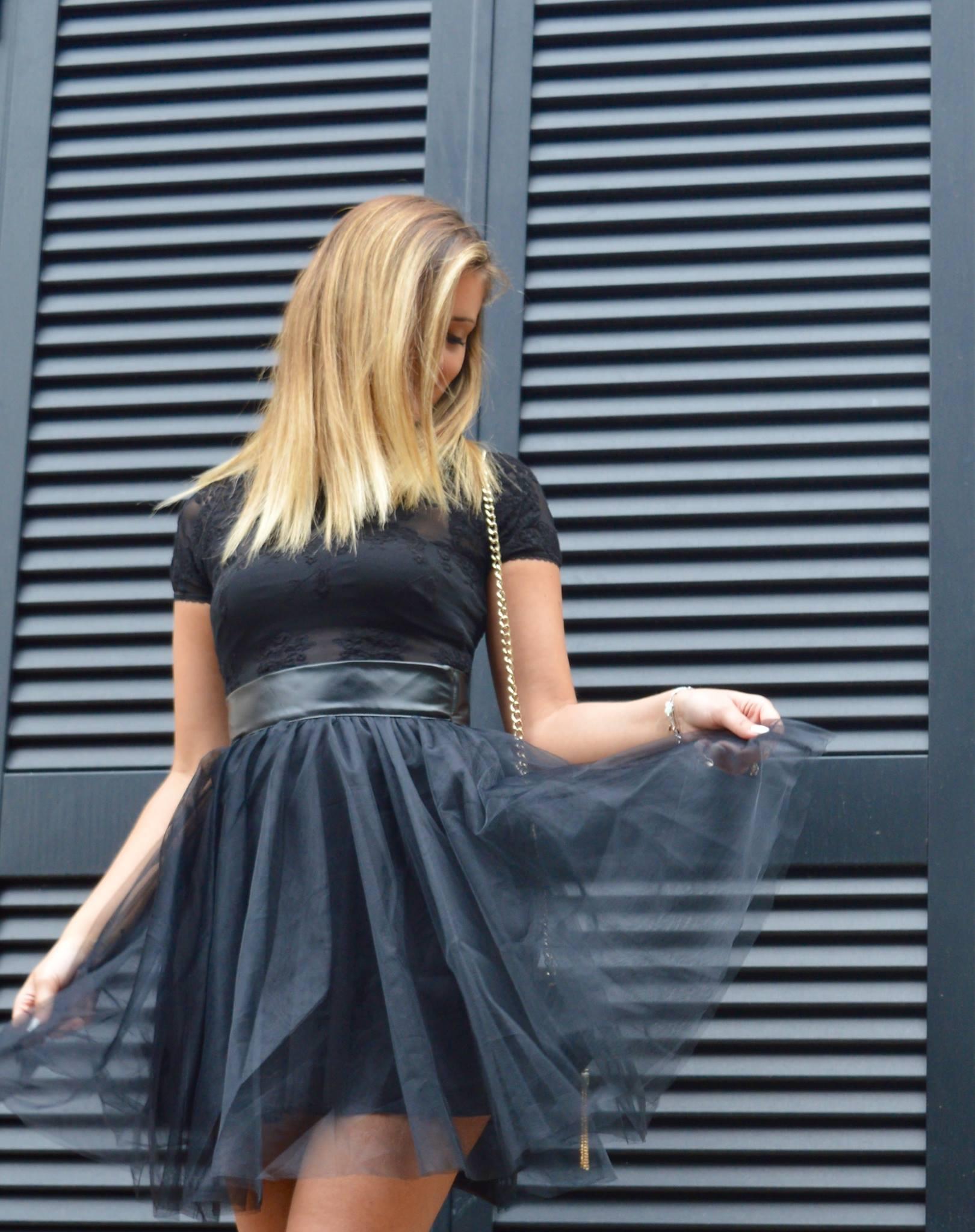 Fruscio, vestito, moda donna,