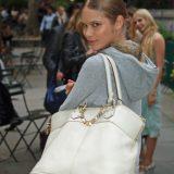Dieci cose che non possono mai mancare nella borsa di una donna