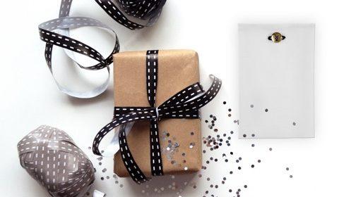 Pochette Eyelet Milano, la sorpresa sotto l'albero di Natale