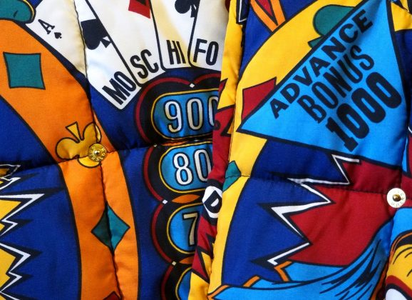 Chi è Jeremy Scott, lo stilista simbolo della rinascita Moschino